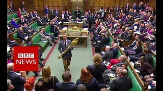 Commons stir as Labour MP picks up mace - BBC News