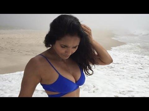 Xxx Mp4 Padma Lakshmi Dazzles In A Sexy Blue Bikini 3gp Sex