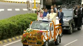 Rousing Reception for PM Modi & Japanese PM Shinzo Abe in Gujarat