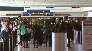 Tips To Get Through Airport Security in a Breeze This Thanksgiving