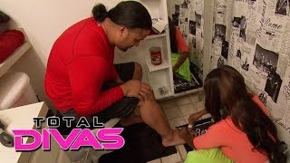 Naomi tells Jimmy Uso to go to the doctor: Total Divas, Nov. 17, 2013