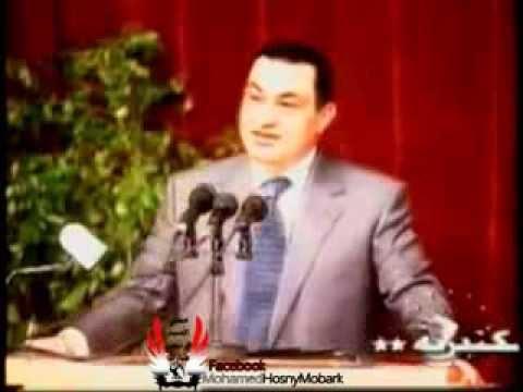شاب يطلب مصافحة الرئيس مبارك فاحتضنه الرئيس