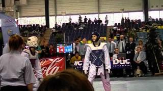 Jelle Vicca vs Aaron Cook taekwondo round 2