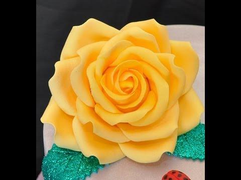 Tutorial rose in pasta di zucchero TUTORIAL Simple Petal Rose Gumpaste Fondant for Cake