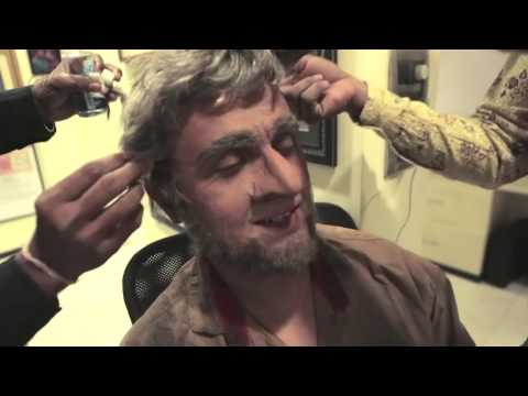 Sonu Nigam Disguised Himself As A Homeless Old Man And Gave A Brilliant Message