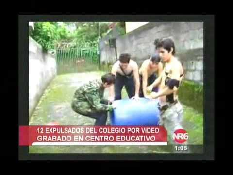 ESTUDIANTES GRABAN VIDEOS CASEROS PARA SUBIRLOS EN LA WEB
