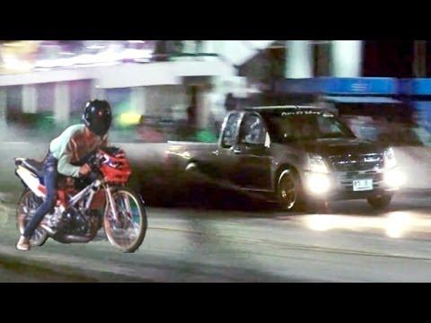 MOPED vs pickup TRUCK Drag Racing isuzu dmax versus 2 stroke motorcycle. Car vs Bike race