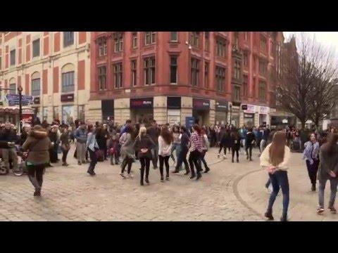 FlashMob in Manchester Greek Zorbas Zempekiko tis Evdokias
