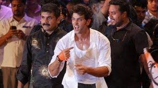 Hrithik Roshan Breaks The Handi