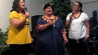 Aunty Moi , Minne,  & Valasi :)