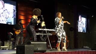 Mary Mary performs together again. Erica surprises Tina in L.A!