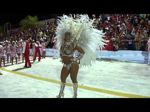 Viviane Araujo Cova da Onça Carnaval 2013 Uruguaiana