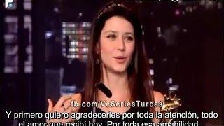 Beren Saat recibe Premio como Mejor Actriz Turca