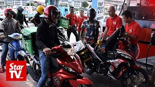 Kepong MP offers free petrol for food delivery motorcyclists