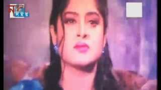 Shami Ar Esteri Banaise Kon Mistrey | Bangla Movie Song |By Manna & Moushumi