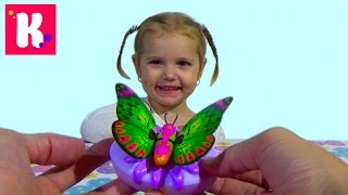 Бабочка как живая машет крылышками игрушка играем Little Live Pets Butterfly toy