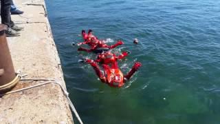 Denizcilik eğitimi immersion suit