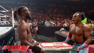 The New Day vs. The Social Outcasts: Raw, May 23, 2016