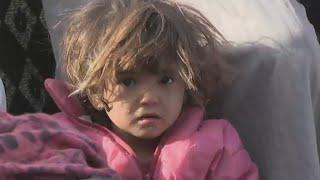 حصري: موفد فرانس 24 يرصد معاناة نازحي مدينة البوكمال السورية