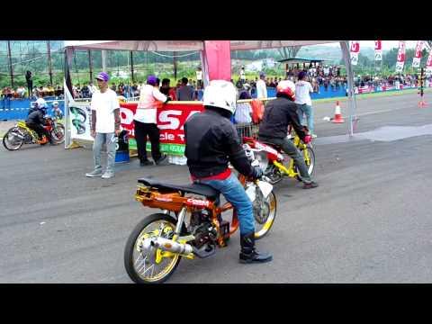 VKBC VKRT Achilles Corsa D2 Drag Bike Seri 3