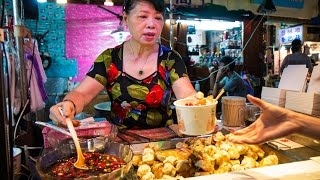 Raohe Night Market in Taipei: MUST-EAT Taiwan Street Food - Pepper Pork Buns & Bone Soup!