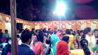 Solid body Sapna Haryanvi songs Baithungi Piya Bolero me super duper Dance बैठूंगी पिया बलैरो में