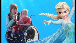 Performing Elsa's Songs LIVE as Anna! *super emotional*