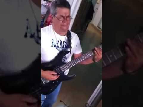 ALINA ITERPRETA HECTOR VILLALBA PA LA RAZA