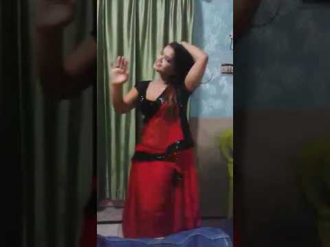 Indian House wife hot dance