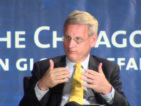 Cenk Sidar with Carl Bildt at the Atlantic Summit (05/20/2012)