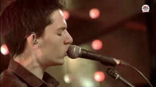 Rode Neuzen Dag: Milo Meskens - New Beginning (live bij Q)