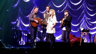 Alison Krauss & Union Station - Whiskey Lullaby