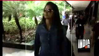 katrina-Ranbir Hidden Chemistry in Mumbai Airport