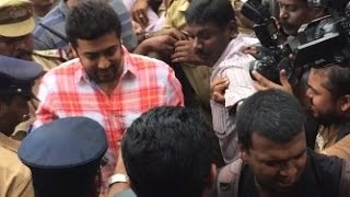 SURIYA in KOCHI  to Promote Anjaan - Fans Rush to Kavitha Theatre
