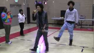 Les Twins - Larry Dancing While Eating