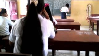 Siswa SMP berambut panjang