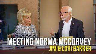 Meeting Norma McCorvey - Jim & Lori Bakker