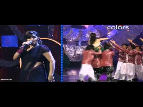 Priyanka Chopra & Sunidhi Chauhan performing on Desi Girl at GiMA 2011