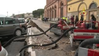 Voragine Lungarno Torrigiani - Video dei Vigili del Fuoco 02