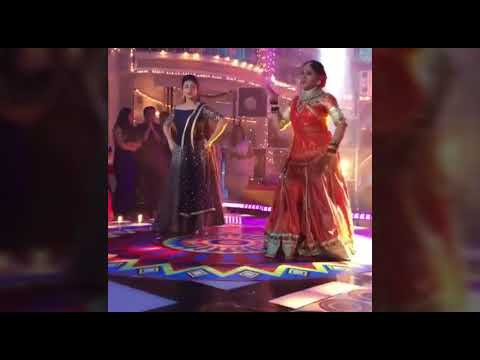 Bollywood Actress MADHURI DIXIT famous hot dance youtube video