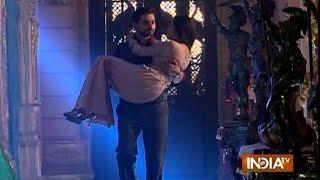 Saas Bahu Aur Suspense (Promo ): Rana Ji Carries Gayatri in His Arms