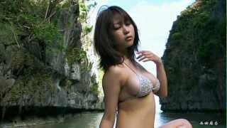 angels-mai-nishida-golaya-foto