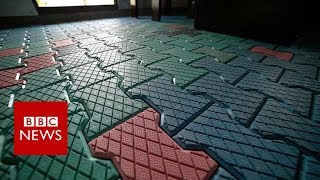 Indian homes and pavements made from plastic - BBC News