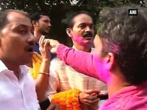 Mahagathbandhan supporters in celebratory mode in Bihar