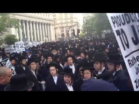 Xxx Mp4 Thousands Of Haredim Protest Joining The IDF In Lower Manhattan 3gp Sex