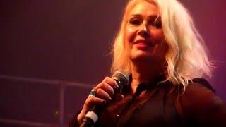 Kim Wilde - You Keep Me Hangin' On - Coronet, London - December 2015