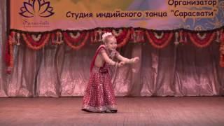 Adelina Nikolaeva - Jab mehndi lag jaave, indian dance studio Saraswati, Nab. Chelny, Russia
