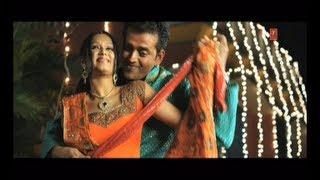 Umariya Ba Solah Satrah (Full Bhojpuri Hot Video Song) Jala Deb Duniya Tohar Pyar Mein