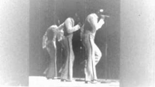 The O'Jays - Living For The Weekend