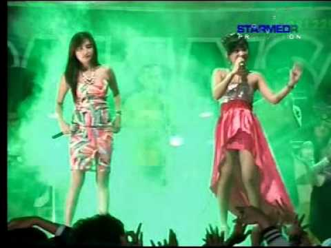 Xxx Mp4 Yang Penting Happy Dila Lopez Feat Ocha Santika Romansa Live In Watuaji 3gp Sex